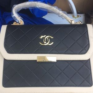 Coach hand bag with wallet
